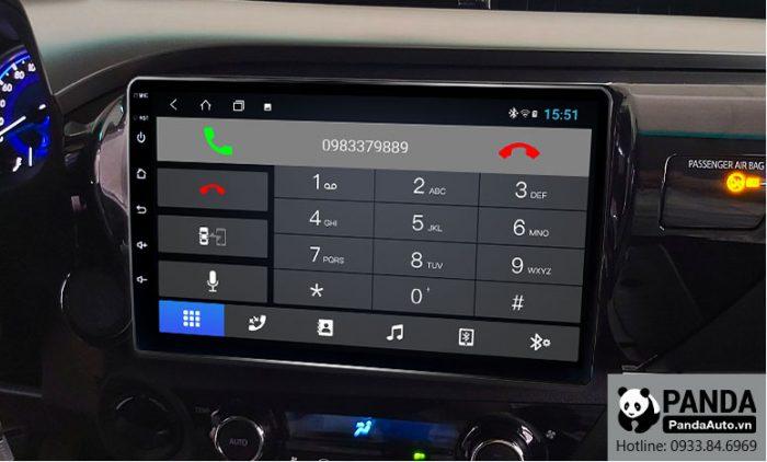 nghe-goi-dien-thoai-truc-tiep-tren-man-hinh-android-cho-xe-Toyota-Hilux