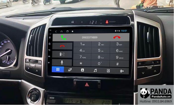 nghe-goi-dien-thoai-truc-tiep-tren-man-hinh-android-cho-xe-Toyota-Land-Cruiser