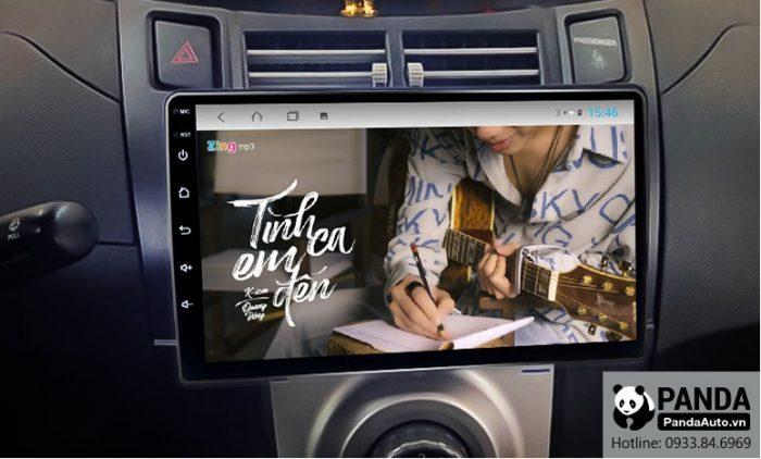 man-hinh-android-cho-xe-Toyota-Yaris-cho-phep-nghe-nhac-zing-mp3