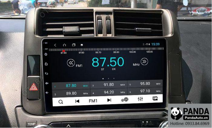 man-hinh-android-cho-xe-Toyota-Prado-cho-phep-nghe-radio
