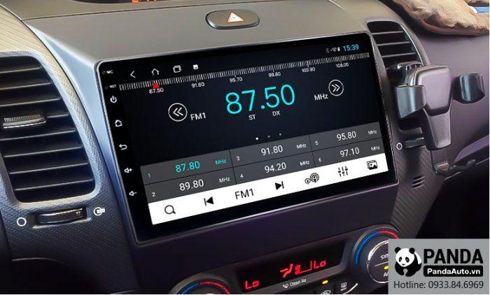 man-hinh-android-cho-xe-Kia-K3-Cerato-cho-phep-nghe-radio