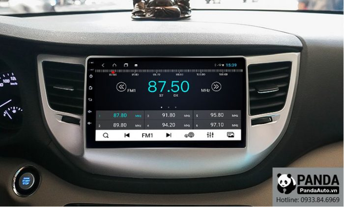 man-hinh-android-cho-xe-Hyundai-Tucson-cho-phep-nghe-radio