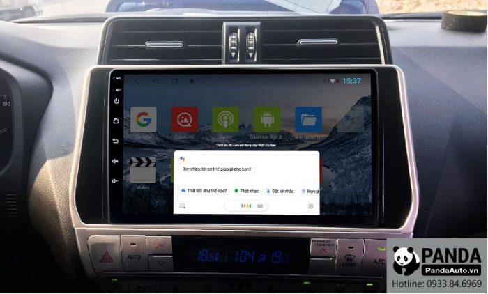 man-hinh-android-cho-xe-Toyota-Prado-ho-tro-ra-lenh-giong-noi-truc-tiep-tren-vo-lang
