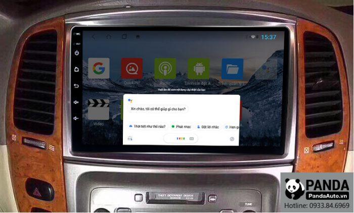 man-hinh-android-cho-xe-Toyota-Land-Cruiser-ho-tro-ra-lenh-giong-noi-truc-tiep-tren-vo-lang