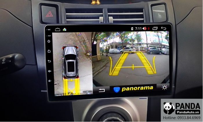 man-hinh-android-cho-xe-Toyota-Yaris-tich-hop-camera