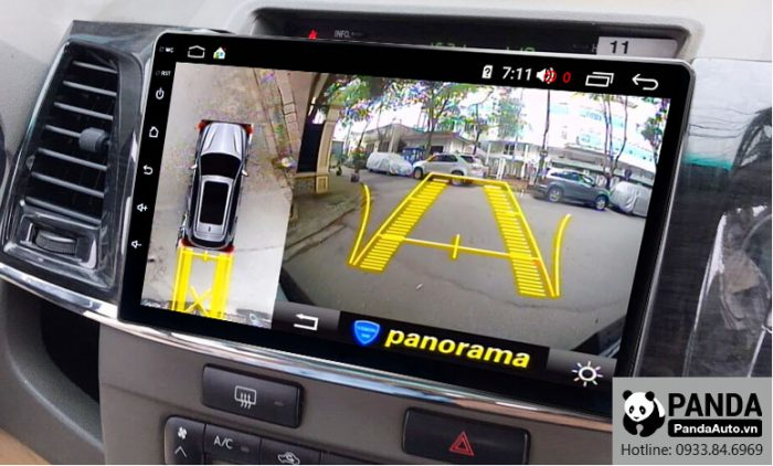 man-hinh-android-cho-xe-Fortuner-tich-hop-camera