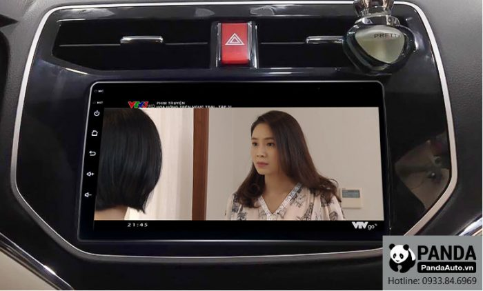 man-hinh-android-cho-xe-Toyota-Rush-cho-phep-xem-phim-truc-tuyen