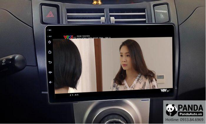 man-hinh-android-cho-xe-Toyota-Yaris-cho-phep-xem-phim-truc-tuyen