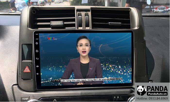man-hinh-android-cho-xe-Toyota-Prado-cho-phep-xem-thoi-su-tivi-truc-tiep