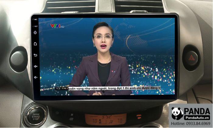 man-hinh-android-cho-xe-Toyota-RAV4-cho-phep-xem-thoi-su-tivi-truc-tiep