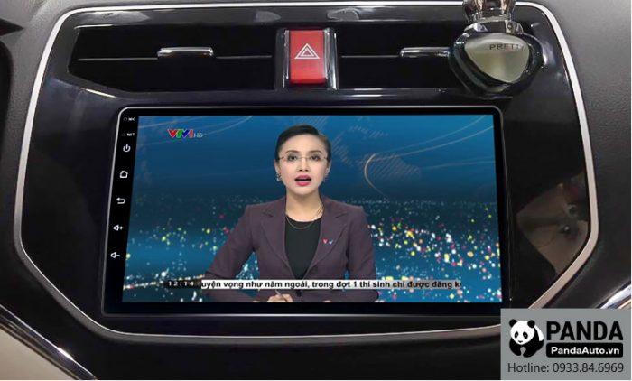 man-hinh-android-cho-xe-Toyota-Rush-cho-phep-xem-thoi-su-tivi-truc-tiep