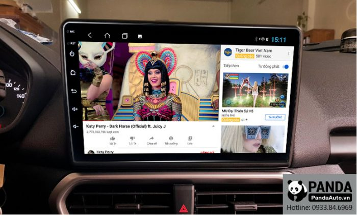 man-hinh-android-cho-xe-Ford-Ecosport-cho-phep-xem-youtube-nho-ket-noi-4g