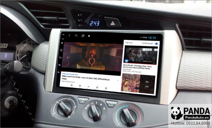 man-hinh-android-cho-xe-Toyota-Innova-cho-phep-xem-youtube-nho-ket-noi-4g