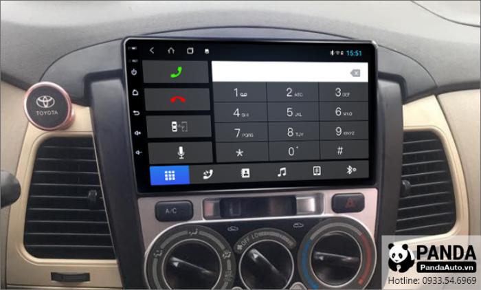Nghe-goi-dien-thoai-tren-man-hinh-Android-cho-xe-toyota-Innova