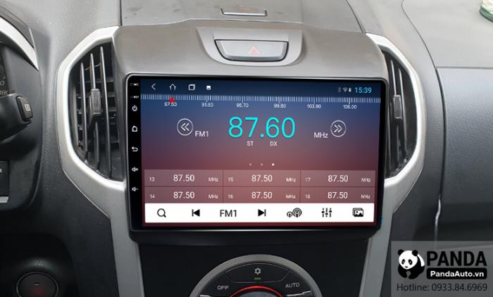 Nghe-radio-tren-man-hinh-Android-cho-xe-Chevrolet-Colorado