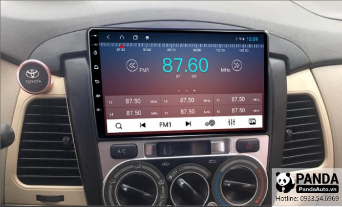 Nghe-radio-tren-man-hinh-android-cho-xe-Toyota-Innova