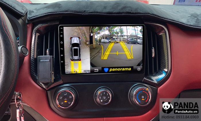man-hinh-Android-cho-xe-Chevrolet-Colorado-co-tich-hop-camera