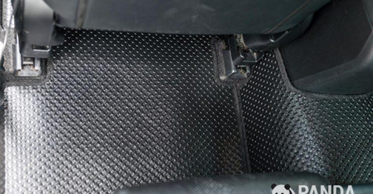 Thảm lót sàn ô tô bằng cao su